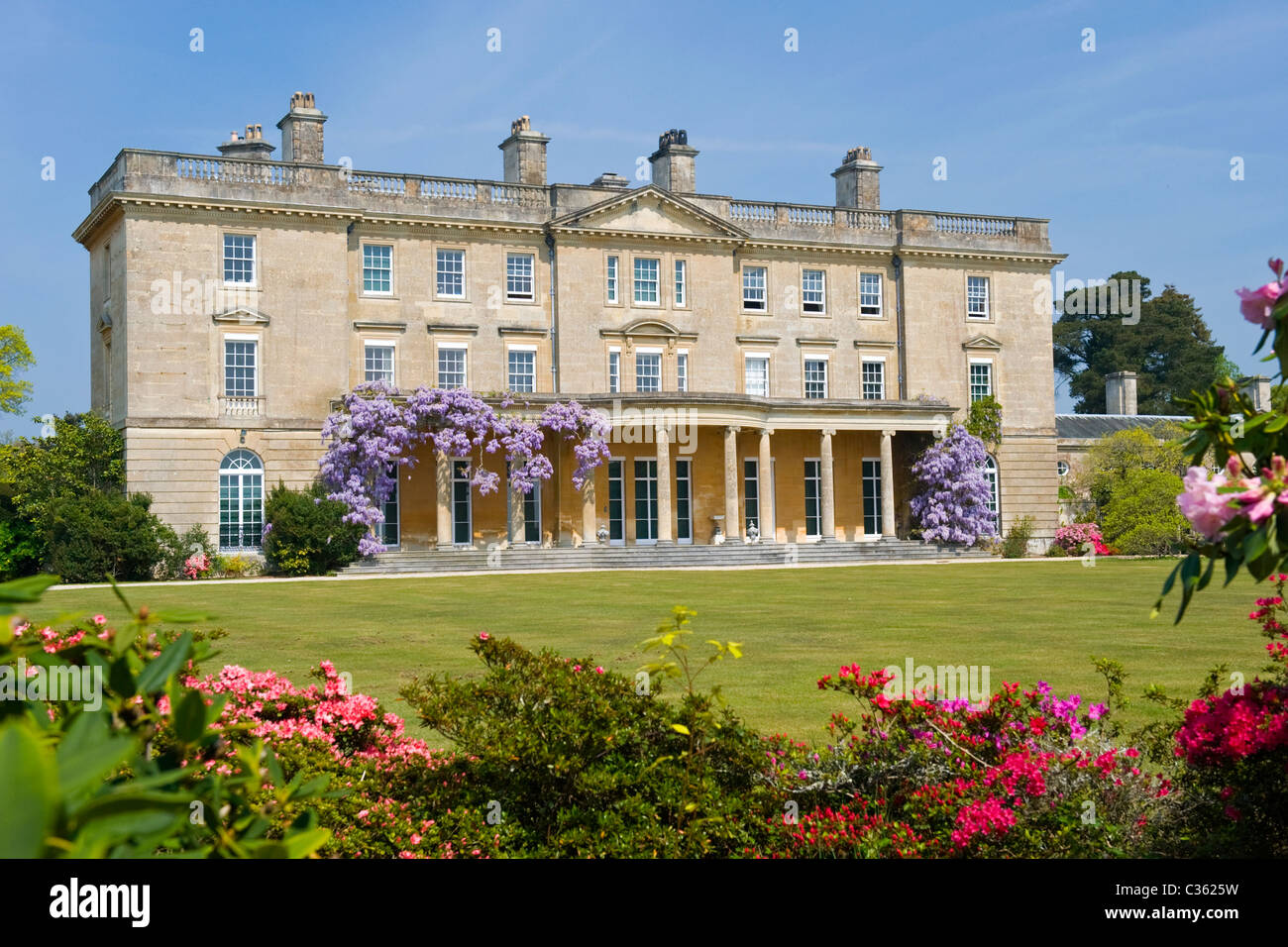 Exbury Gardens , Lionel de Rothschild rhododendrons & azaleas reserve ,  Inchmery House neoclassical mansion - Stock Image