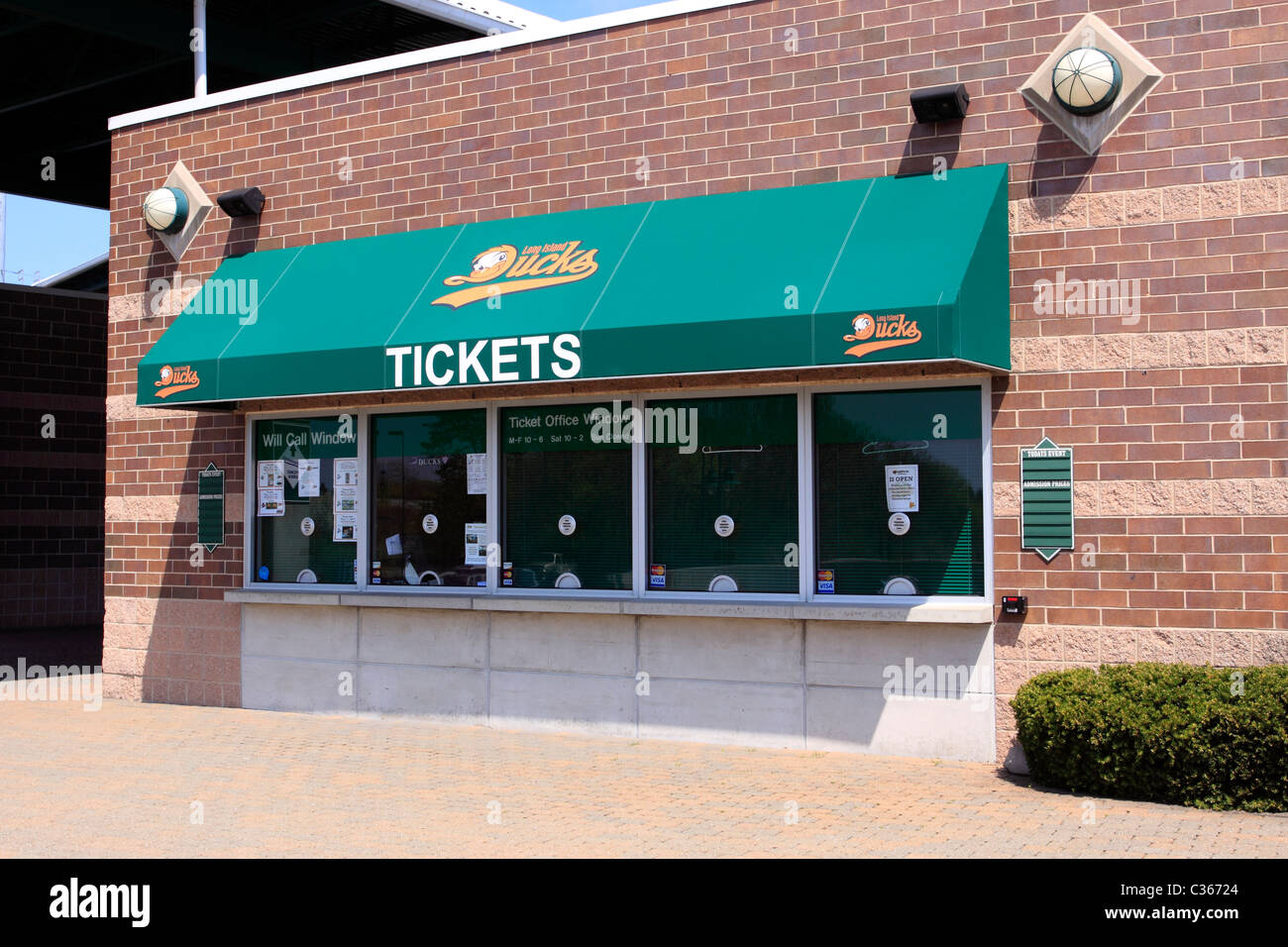 ticket window and box office at bethpage ballpark home of the long stock photo 36401964 alamy. Black Bedroom Furniture Sets. Home Design Ideas