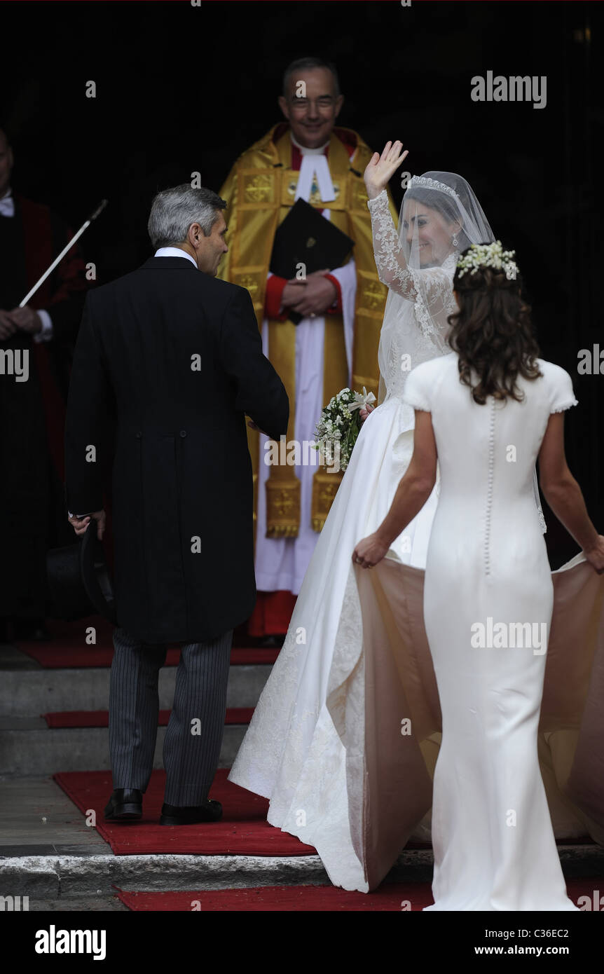 The Wedding of Prince William and Catherine Middleton. 29th April 2011. Kate Middleton arrives at the Abbey with - Stock Image