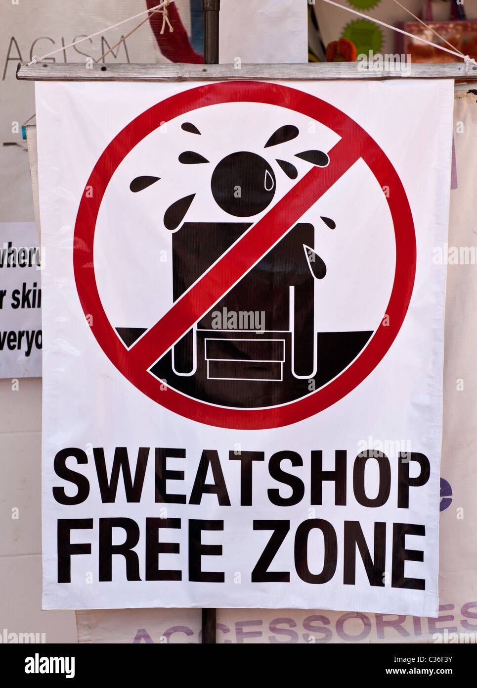 'Sweatshop Free Zone' sign - Stock Image