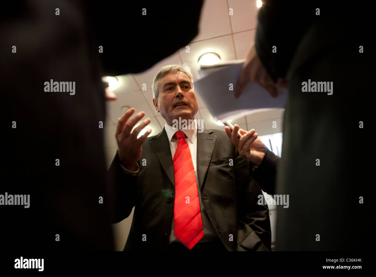 Iain Gray MSP, Scottish Labour leader talks to journalists in Glasgow - Stock Image