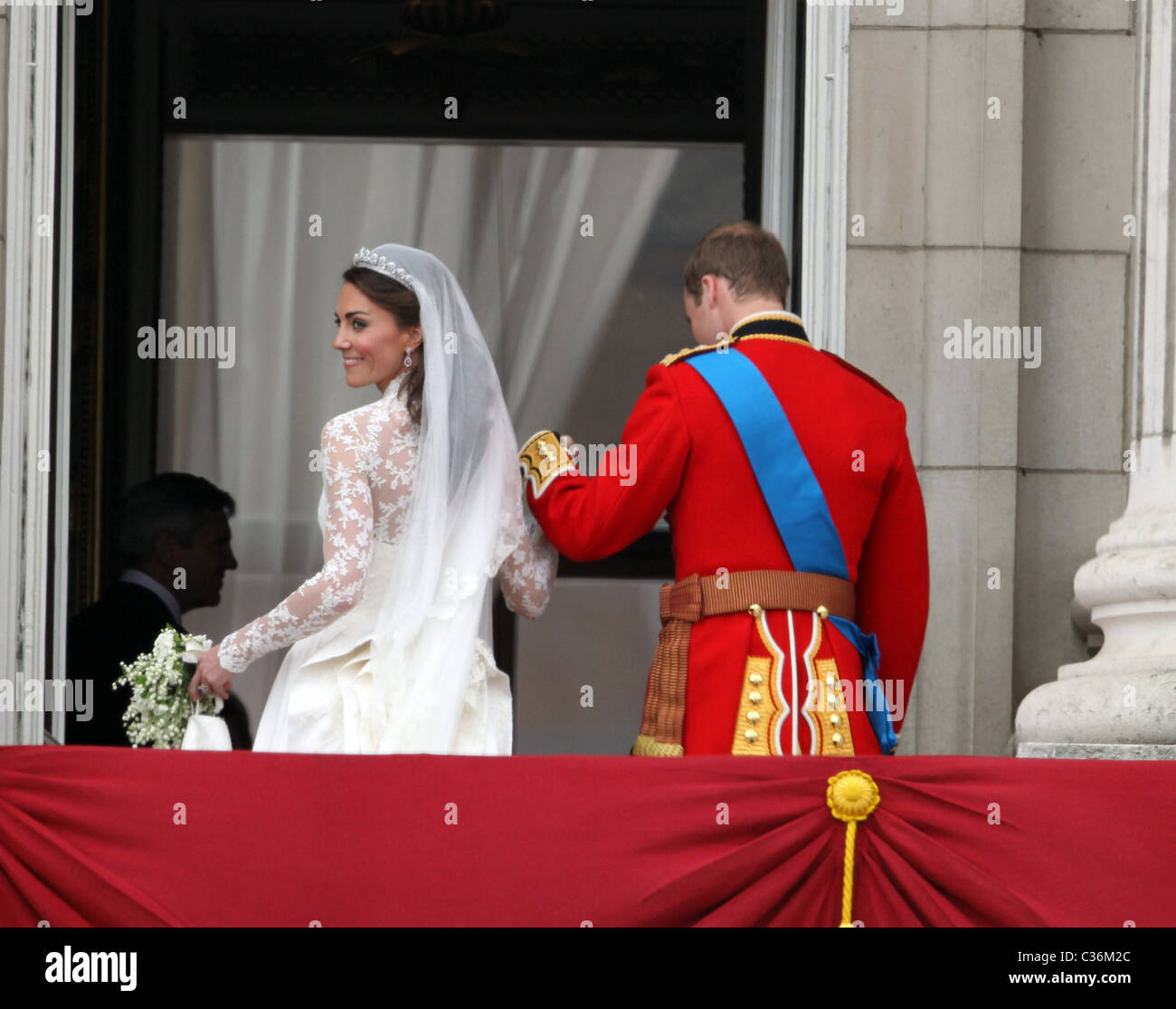 The Wedding of Prince William and Catherine Middleton. 29th April 2011. The newly married couple on the balcony Stock Photo