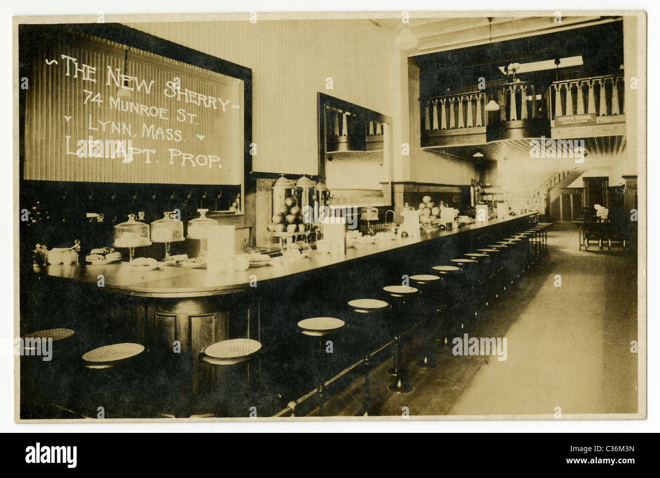 Circa 1910s real-photo postcard of The New Sherry, restaurant in Lynn, Massachusetts. - Stock Image