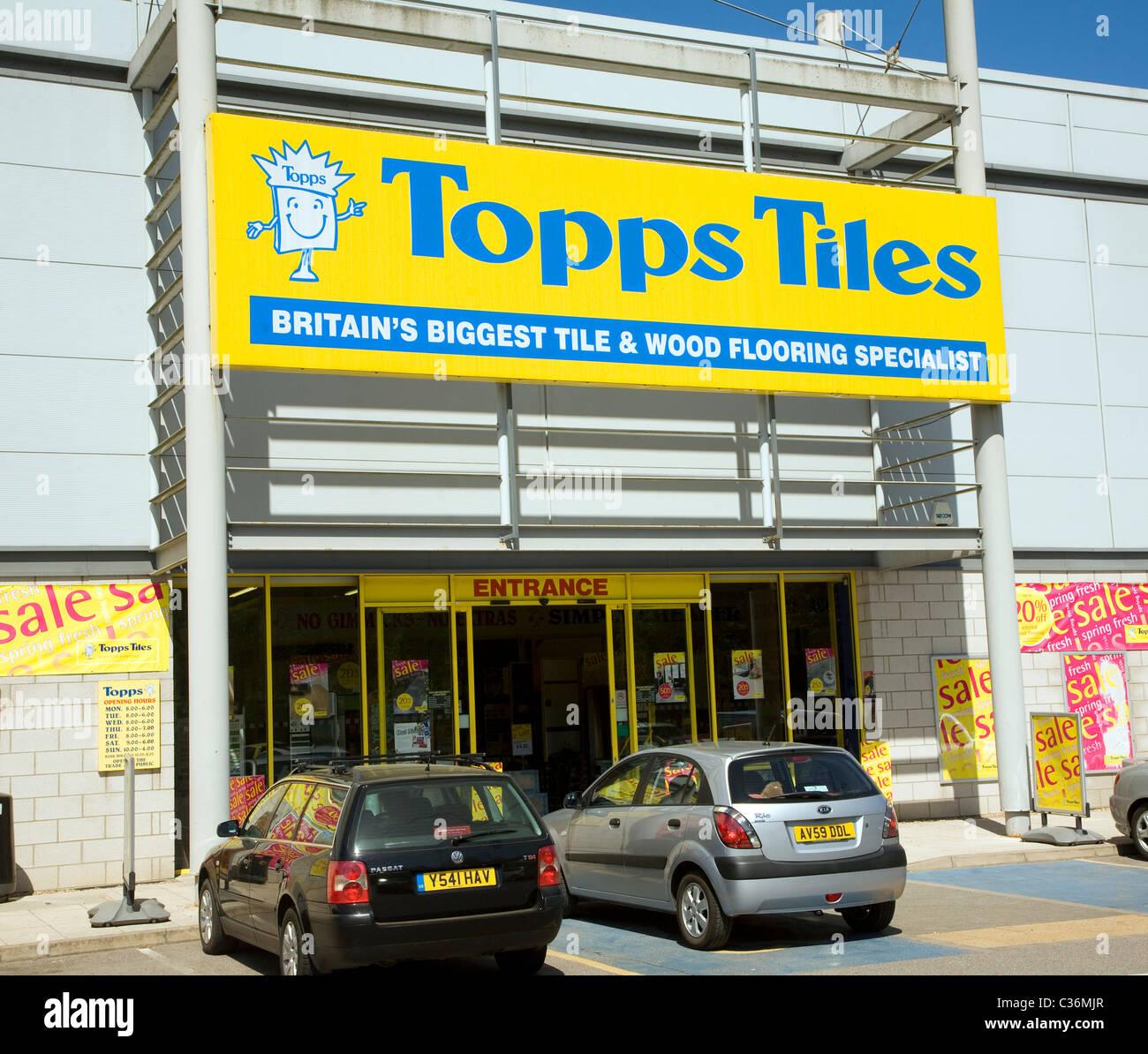 Topps Tiles warehouse shop Sudbury Suffolk England - Stock Image