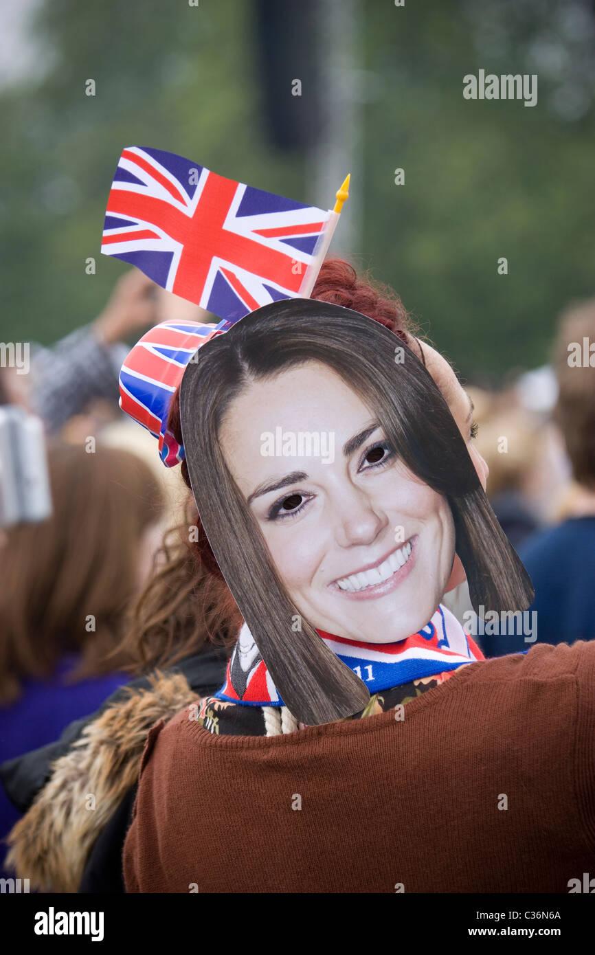 royal wedding, hyde park female wearing Katie Middleton mask - Stock Image