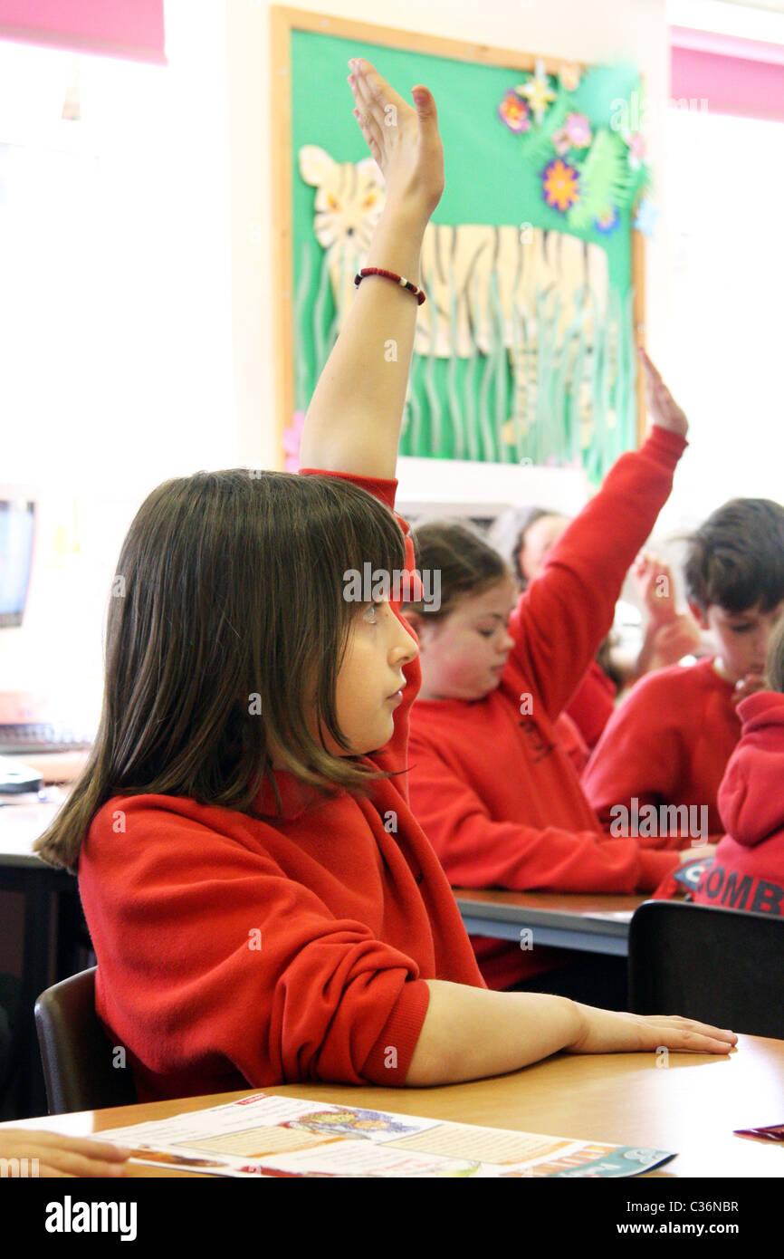 Primary School children in a classroom in Oxfordshire - Stock Image