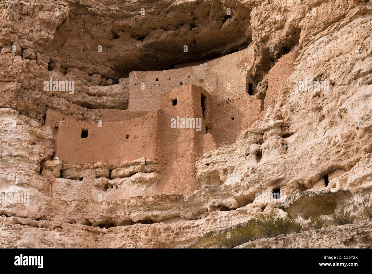 Montezuma Castle, a 20 room five story cliff dwelling built by the prehistoric Sinagua Indians in 1150 CE, Arizona, Stock Photo