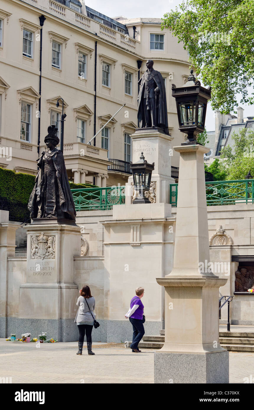 Memorials of King George and Queen Victoria I - Stock Image