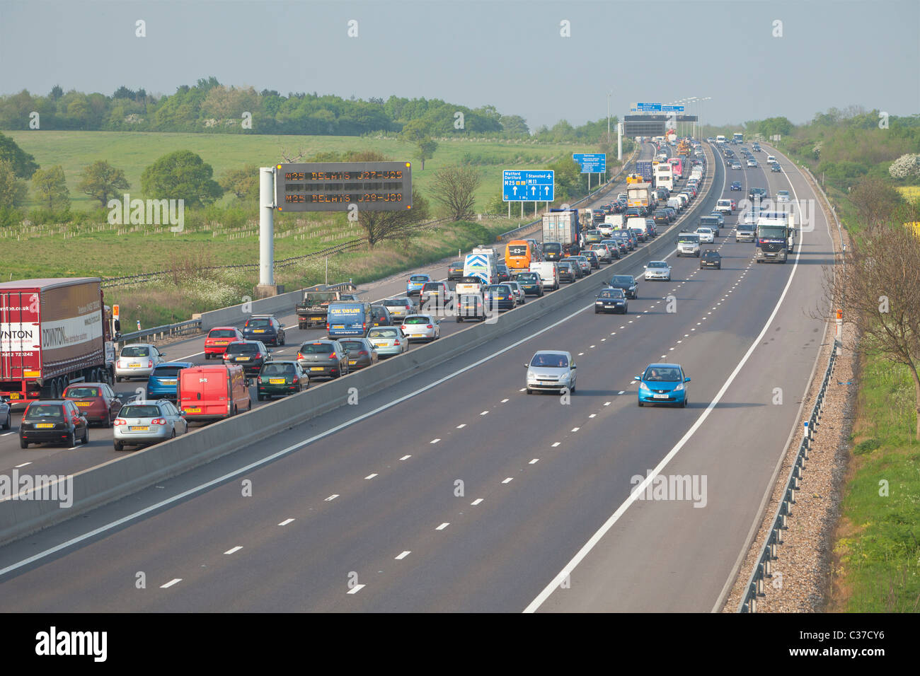 Traffic congestion on the M11 motorway before junction with the M25, Essex, England - Stock Image