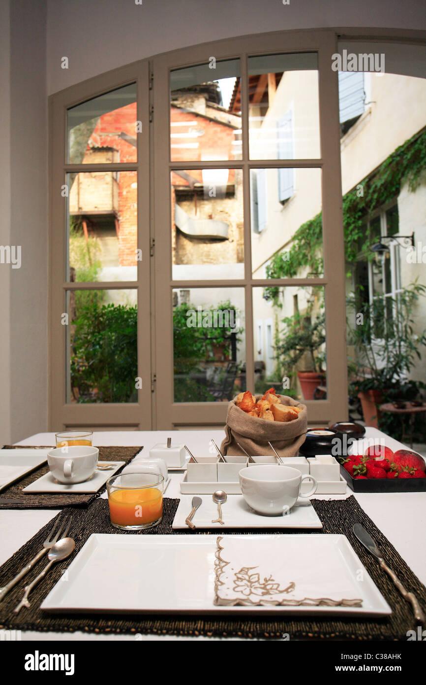Breakfast, La Maison sur la Sourge resort, L'Isle-sur-la-Sorgue, Provence-Alpes-Côte d'Azur, France, - Stock Image