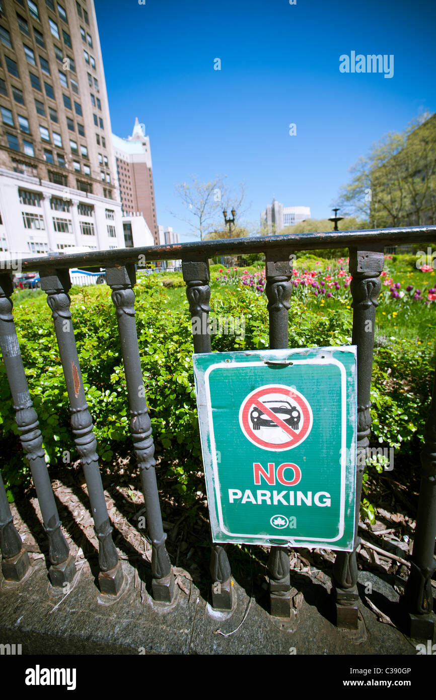 No parking sign in Brooklyn Borough Hal park in New York on Sunday, May 1, 2011. (© Richard B. Levine) - Stock Image