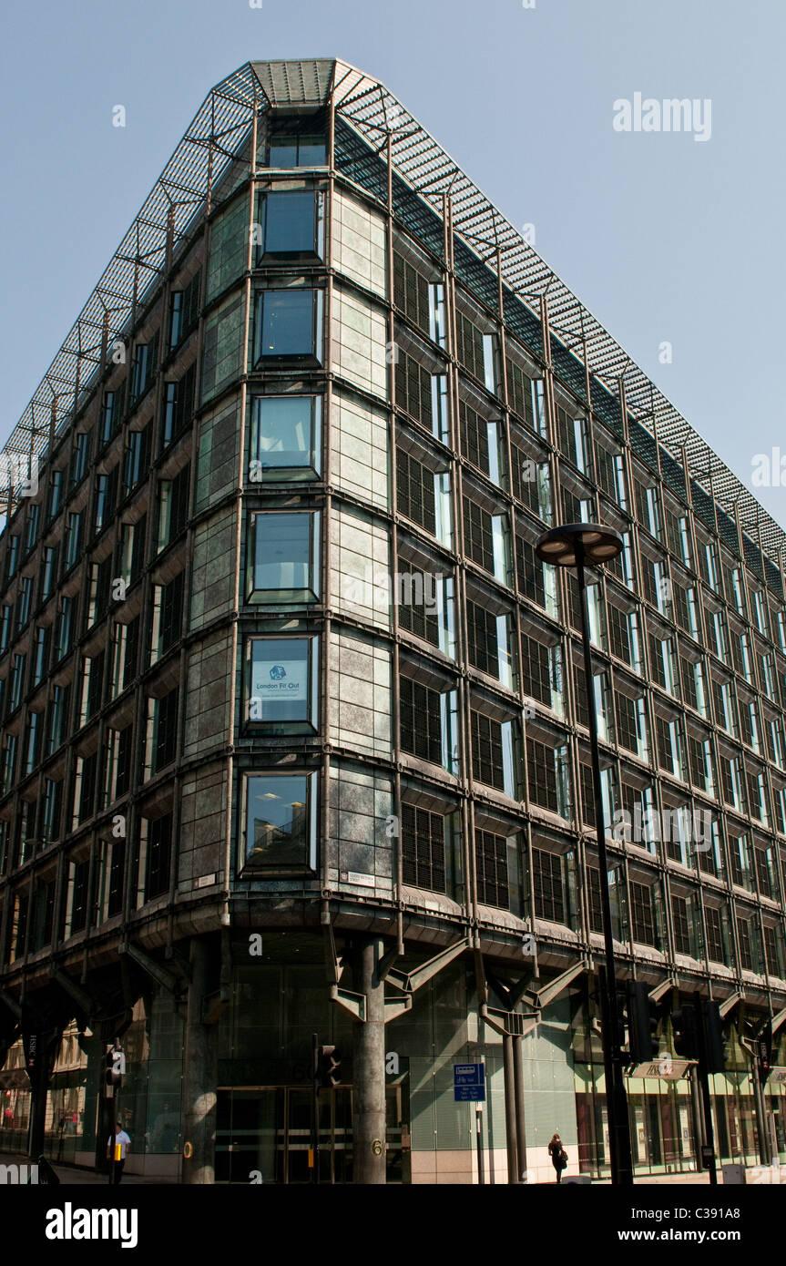 HSBC bank on Queen Victoria Street, EC4, City of London, UK