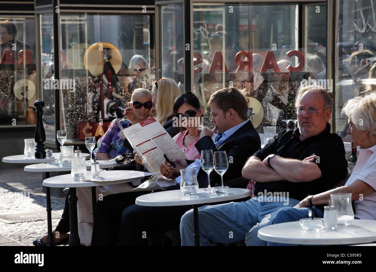berlin cafes stock photos berlin cafes stock images alamy. Black Bedroom Furniture Sets. Home Design Ideas