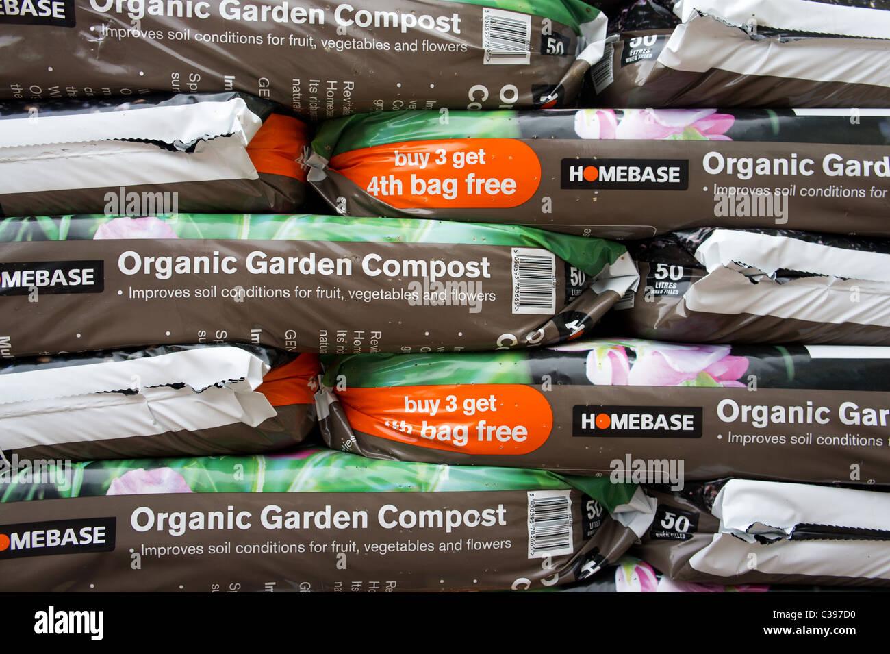 Bags of organic garden compost, uk - Stock Image