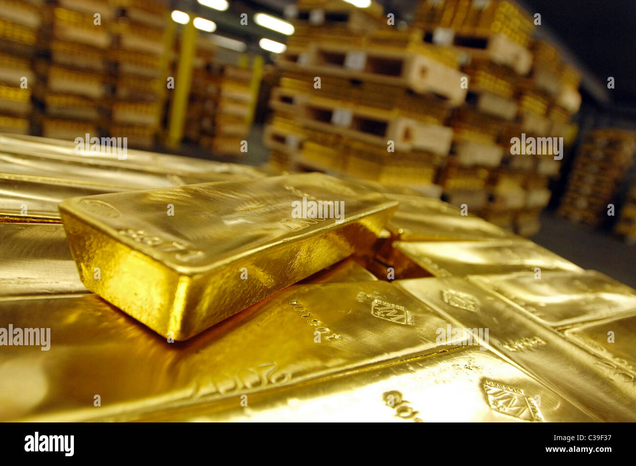 how to buy gold bullion from a banks
