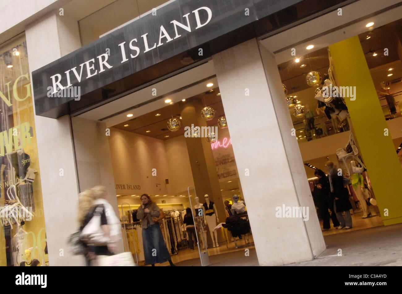 dbd5676af1 River Island Shop Front Stock Photos & River Island Shop Front Stock ...