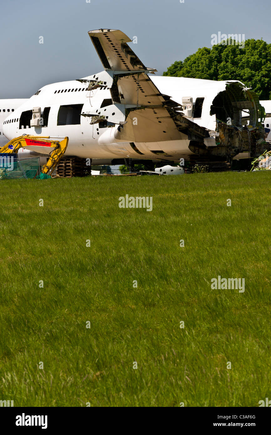 Aircraft breakers - Decommissioned aircraft being dismantled - Stock Image