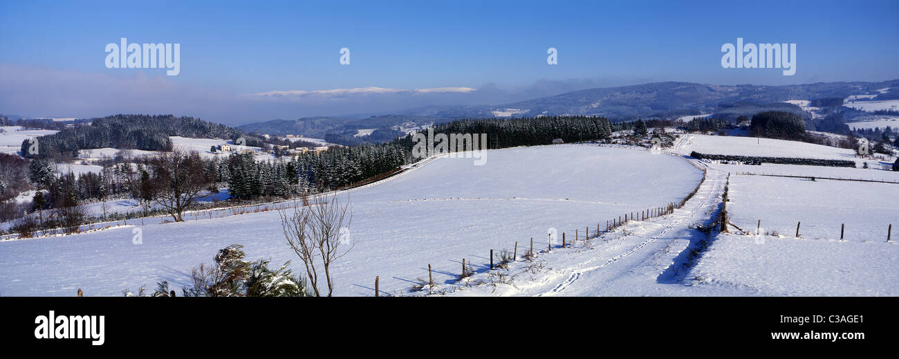 France, Puy de Dome, paysage du haut Livradois vers Saint Amant Roche Savine - Stock Image