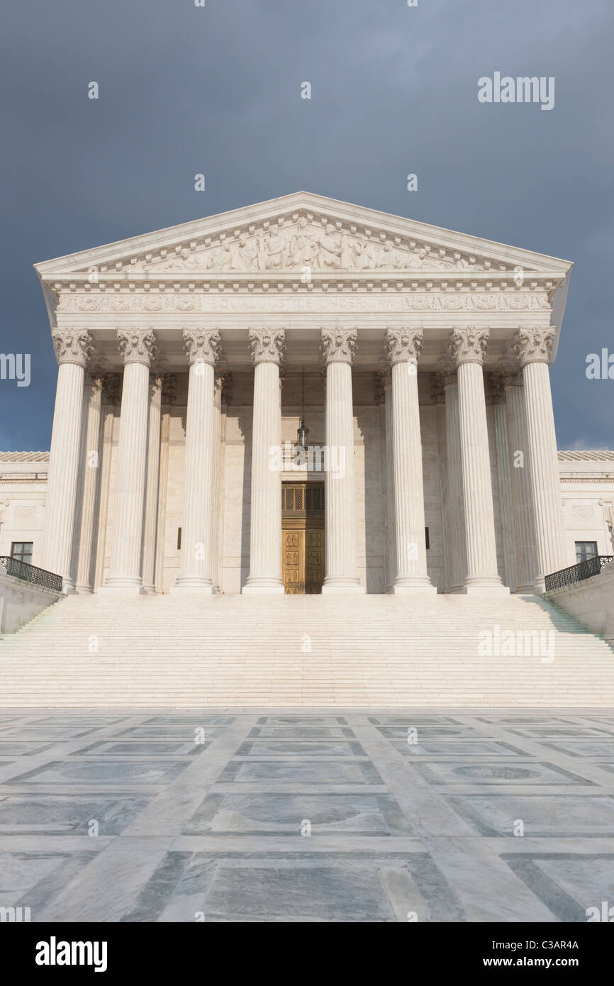 The Neoclassical United States Supreme Court Building in Washington, DC. - Stock Image