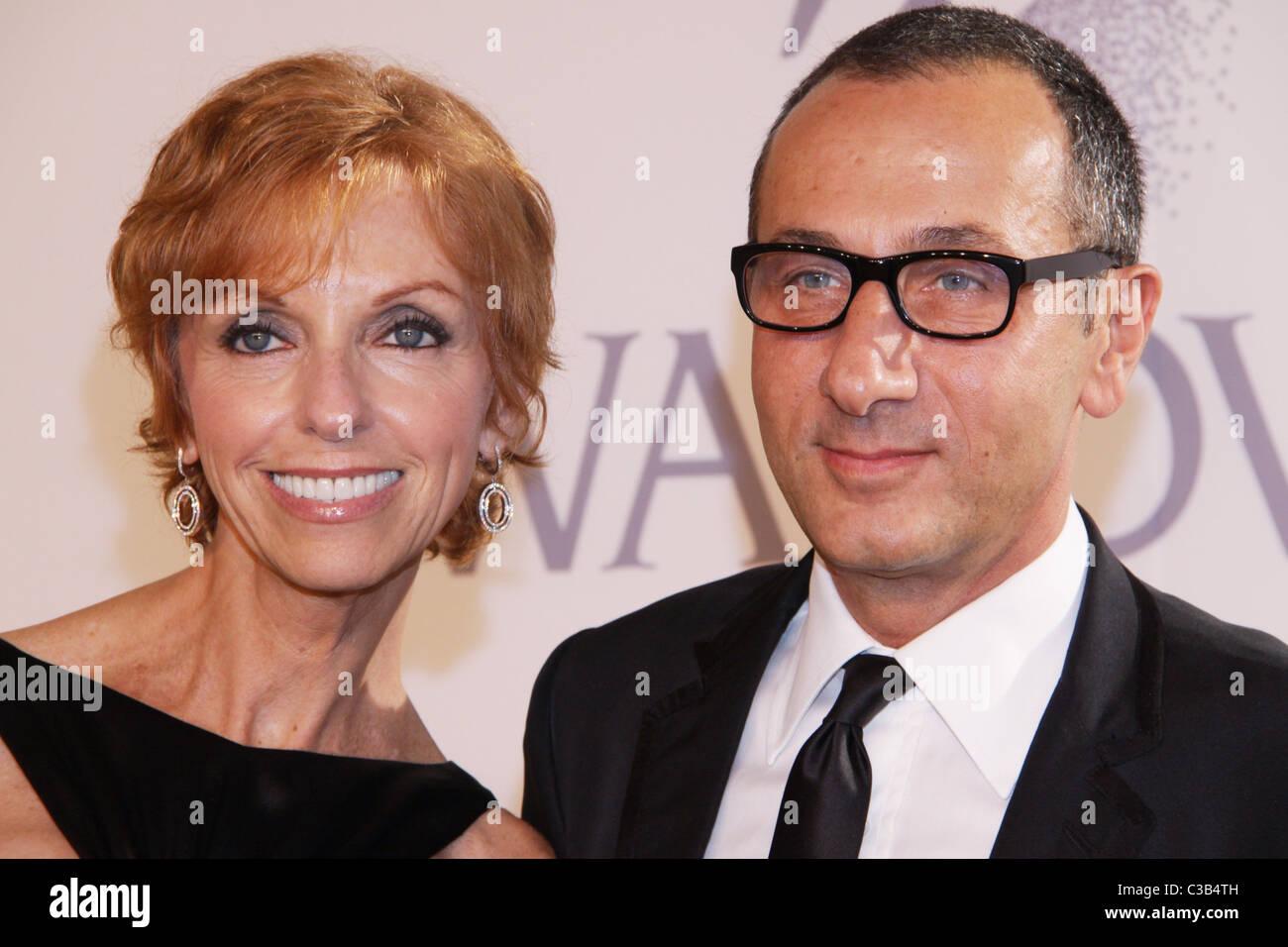 Susan Sokol and Gilles Mendel 2009 CFDA Fashion Awards at Alice Tully Hall, Lincoln Center New York City, USA - - Stock Image