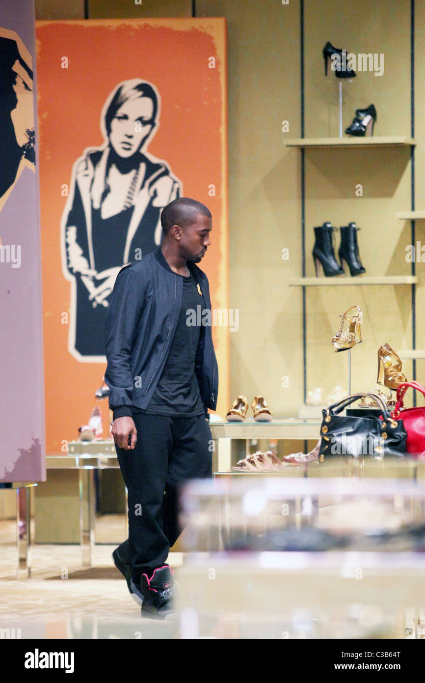 c1ef1452 Kanye West appears to shop for women's shoes and handbags in Soho New York  City,