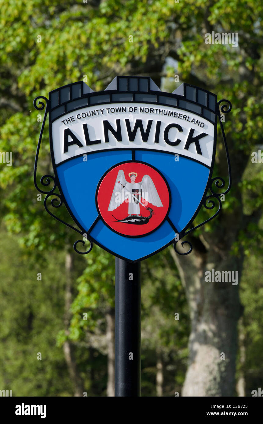 Town sign on entry road to Alnwick - Stock Image