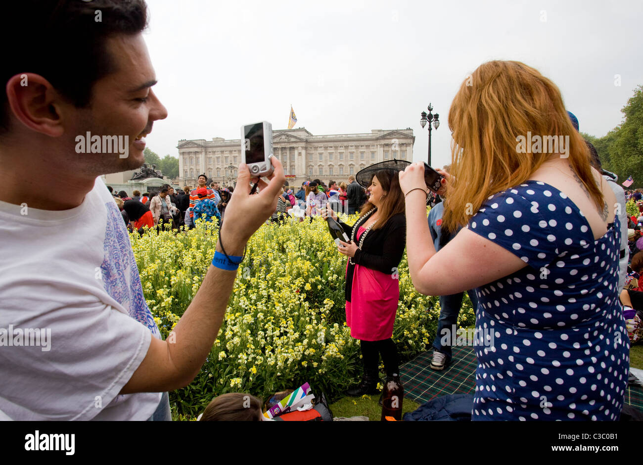 The Royal wedding of Prince William and Kate Middleton. The Royal Mall. 29th April 2011 - Stock Image