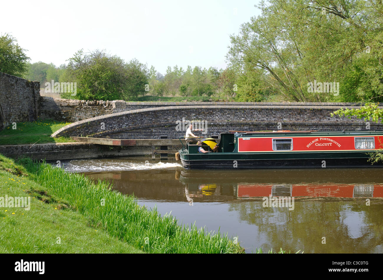 Narrowboat on the Oxford Canal at Aynho Weir, Northamptonshire, England, UK - Stock Image