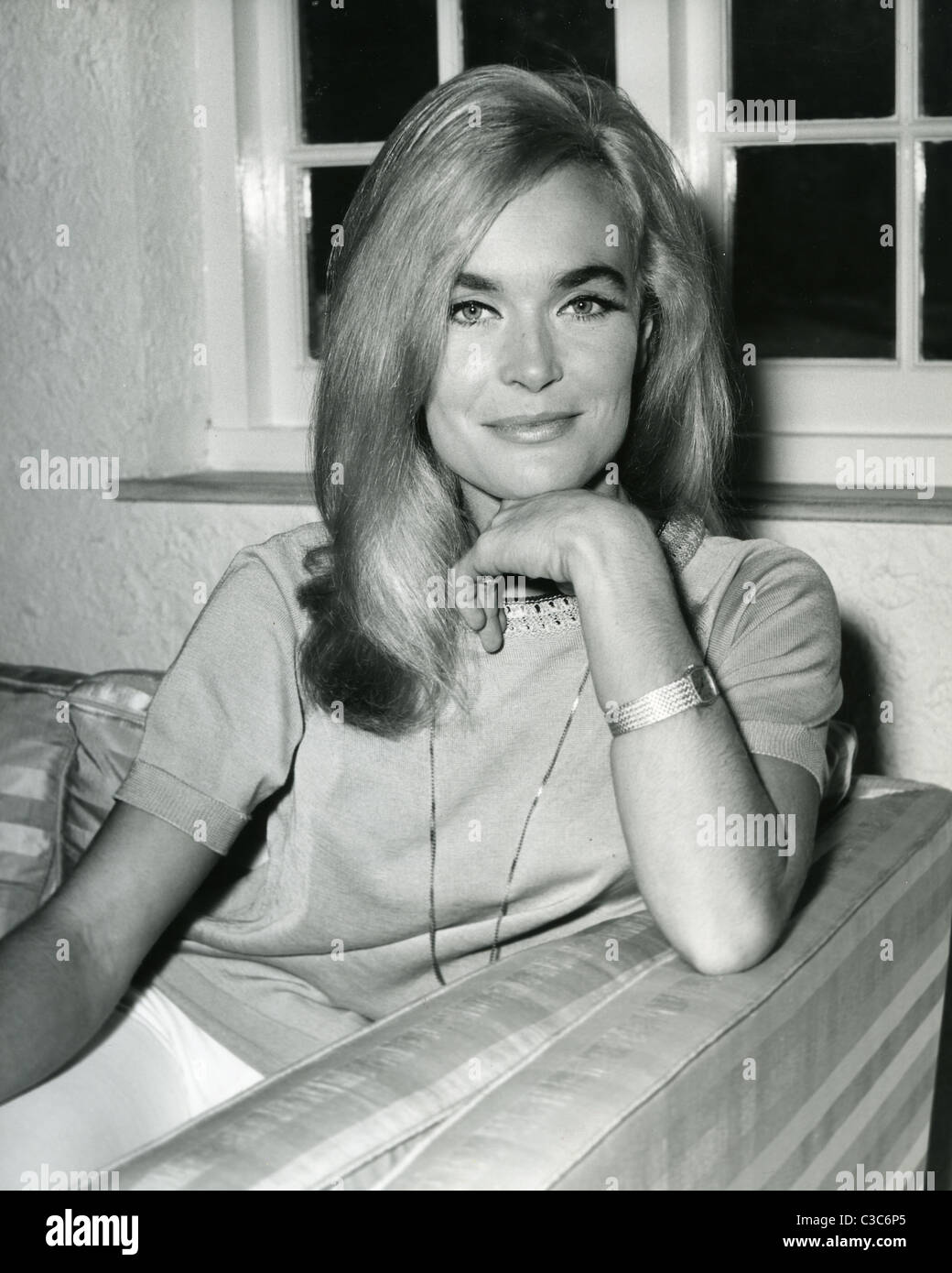 Shirley Eaton naked (95 photos), Topless, Paparazzi, Twitter, lingerie 2019
