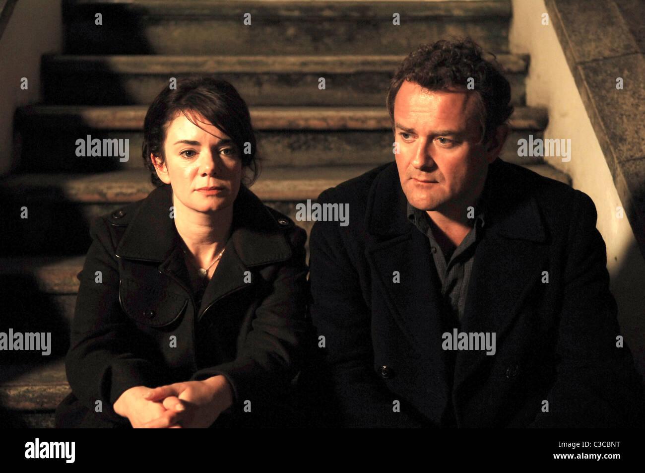 VICTORIA HAMILTON & HUGH BONNEVILLE FRENCH FILM (2008) - Stock Image