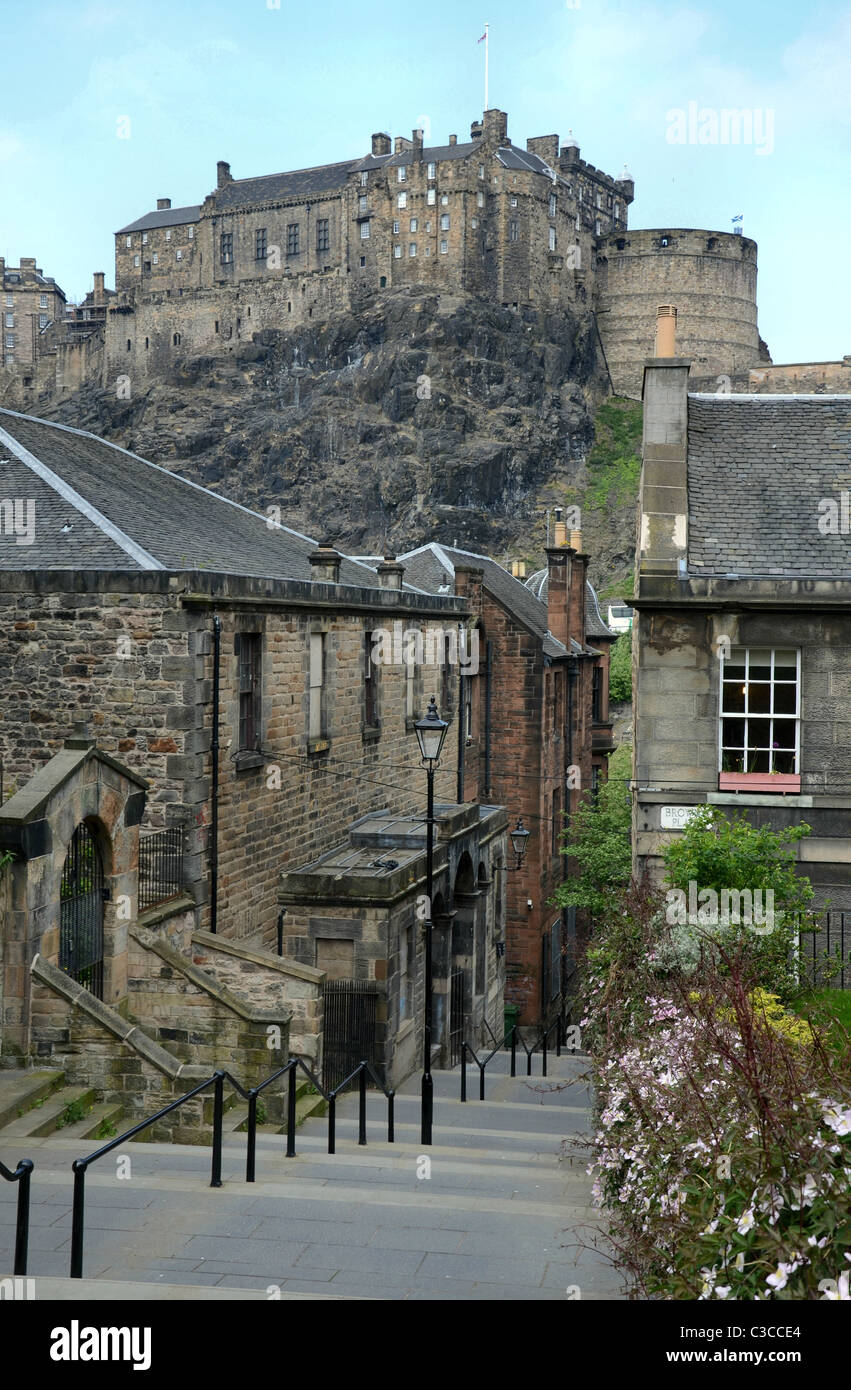 Edinburgh Castle photographed from The Vennel in the Old Town. - Stock Image