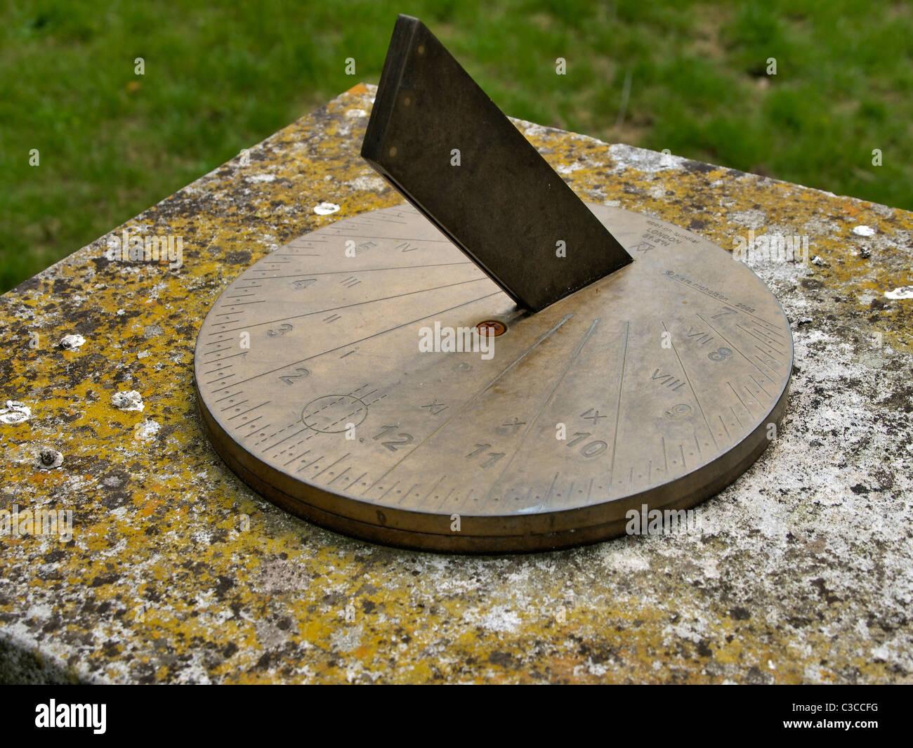 Brass sundial - Stock Image