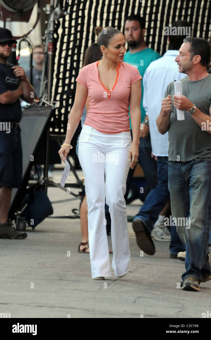 e1e6a797e8f49 Jennifer Lopez seen on the set of her new movie 'The Back-Up Plan' in  Pasadena. Los Angeles, California - 18.06.09