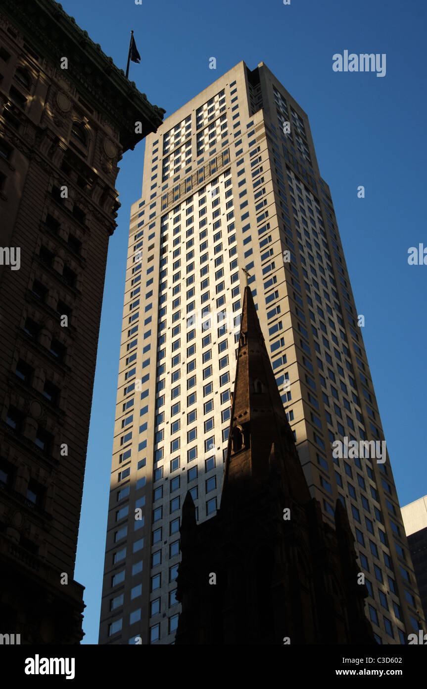 United States. New York. Manhattan. Fifth Avenue. Building. - Stock Image
