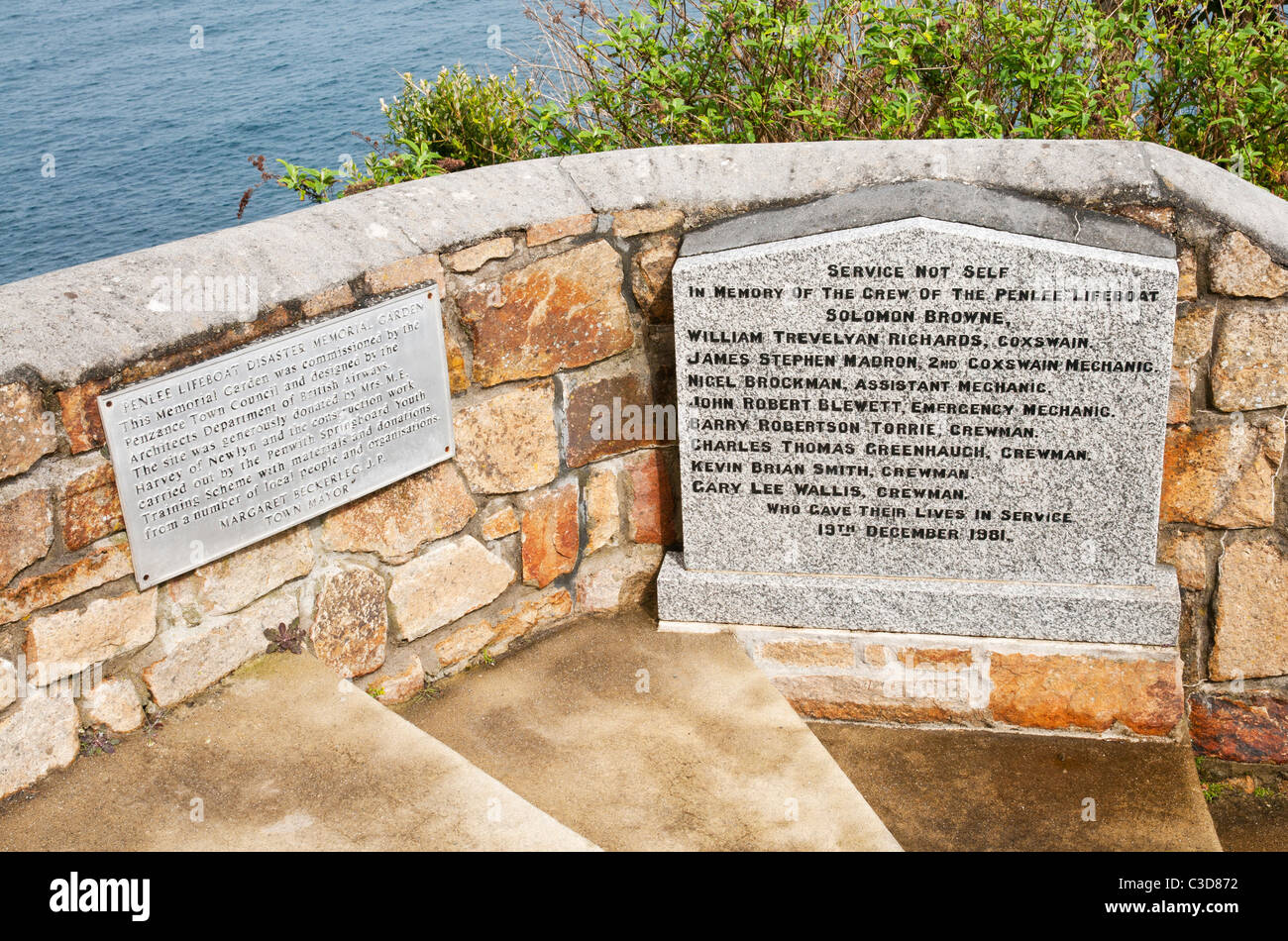 Memorial to the crew of the Penlee Lifeboat Solomon Browne which was lost at sea 19th December 1981 - Stock Image