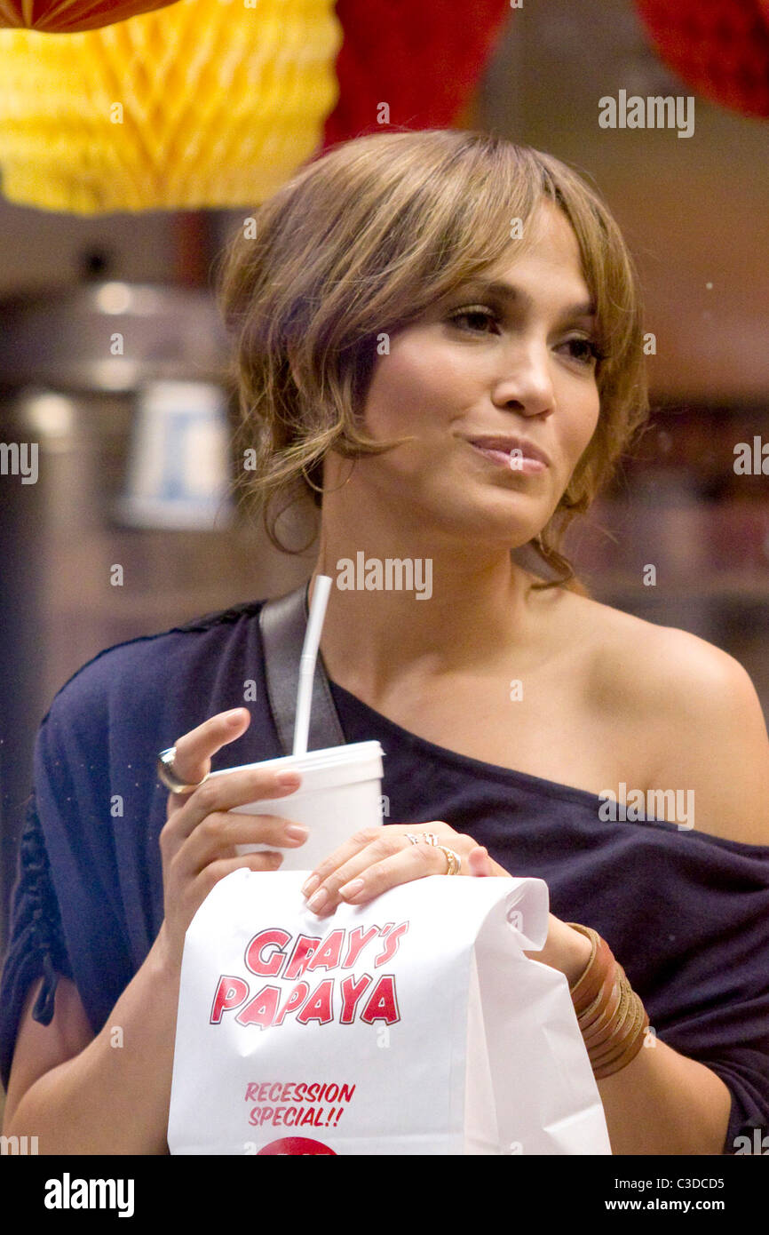 29a0398615b61 Jennifer Lopez on the set of her new movie 'The Back-Up Plan' filming on  location at Gray's Papaya New York City, USA -