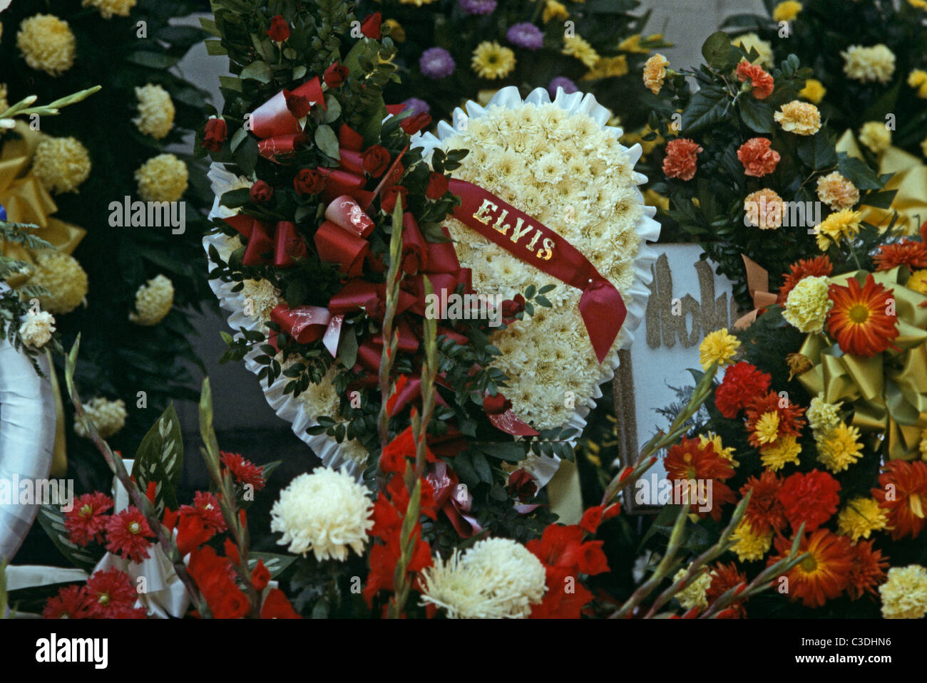 Elvis Presley Funeral Flowers Memphis Tennessee Usa Stock Photo