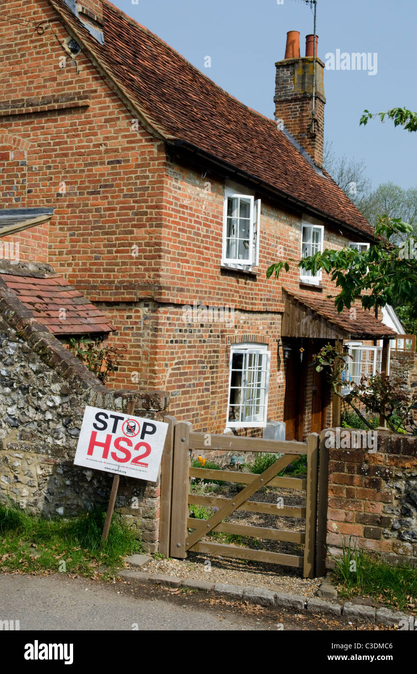 Opponents of the proposed HS2 high speed rail project show their posters in the village of Little Missenden Stock Photo