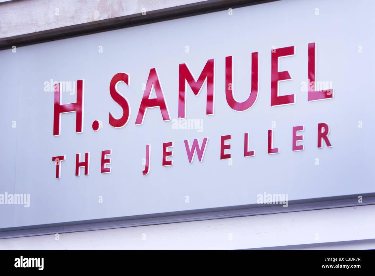 H.Samuel Jeweller Shop Sign in Oxford, UK - Stock Image