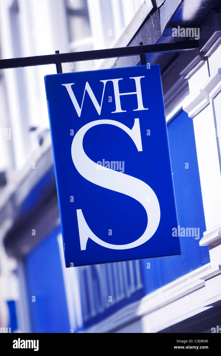 WH Smith high street shop - Stock Image