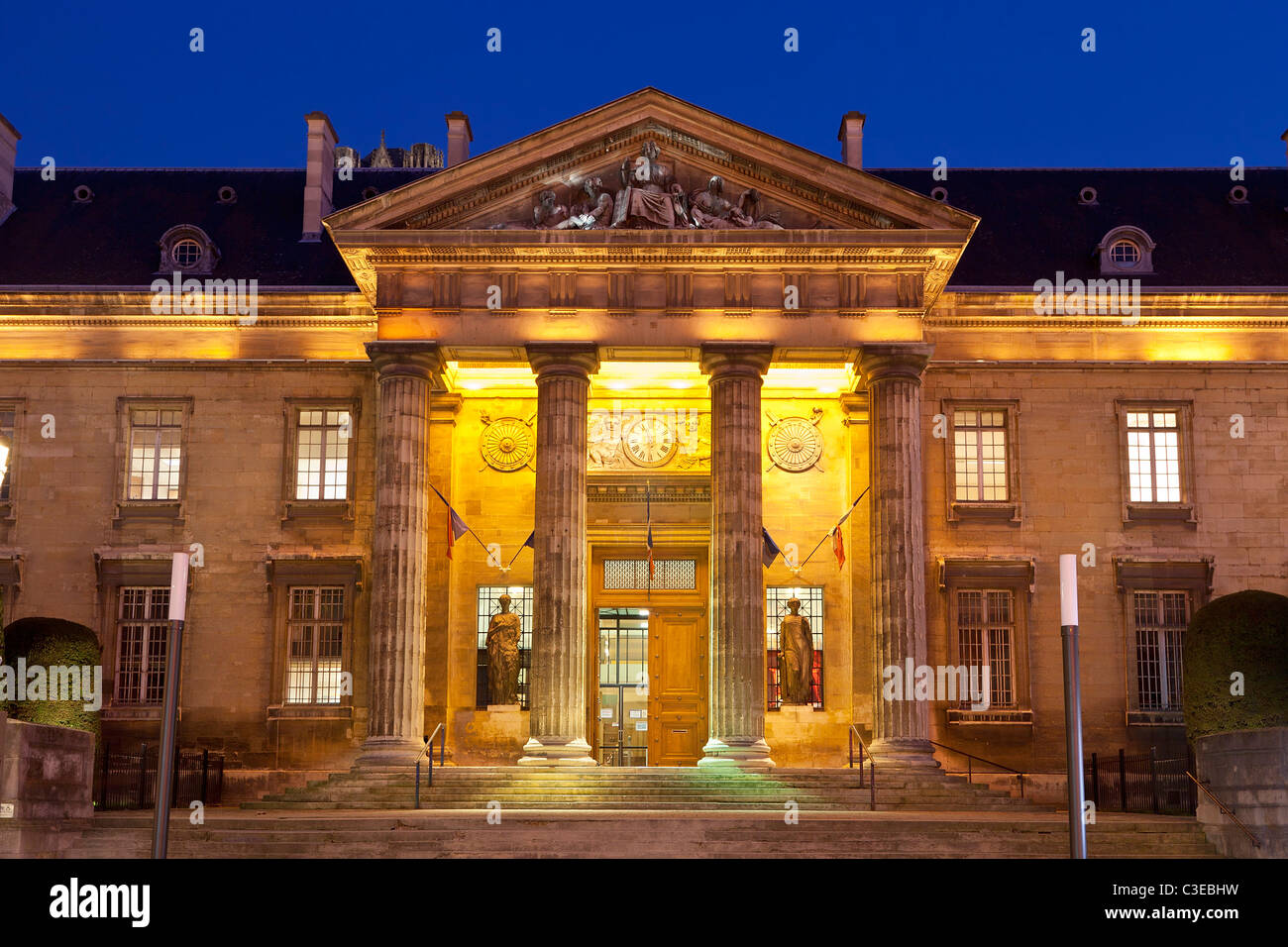 Europe, France, Marne (51), Courthouse at Night, Reims - Stock Image
