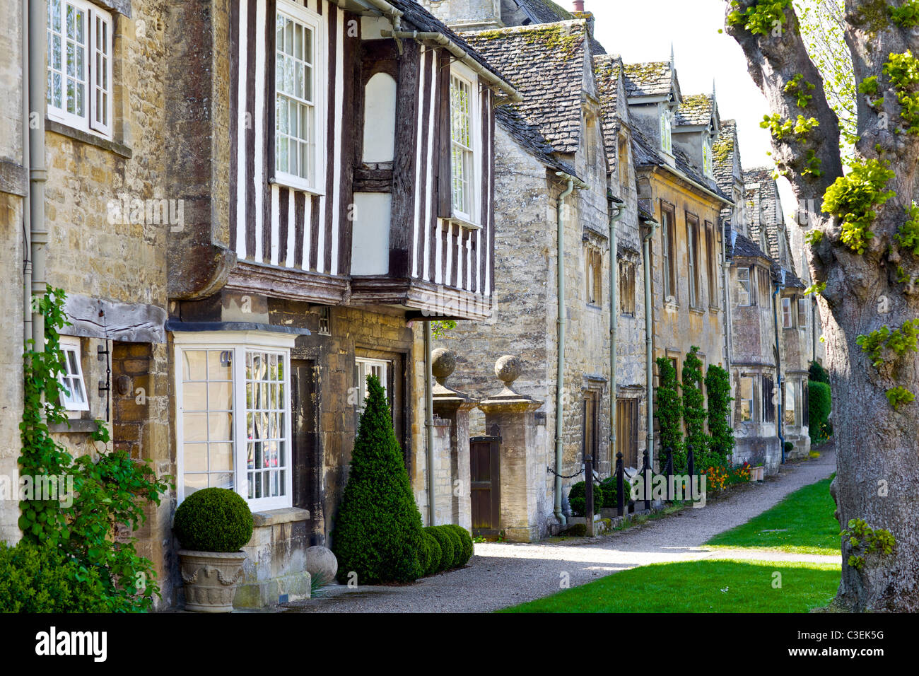 Burford is a small town on the River Windrush in the Cotswold hills in west Oxfordshire, England. - Stock Image