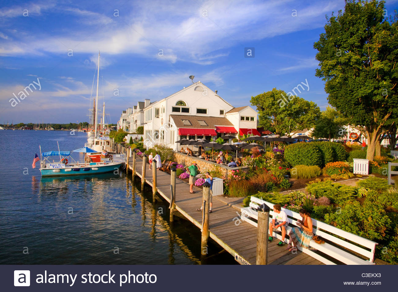[S&P Oyster Company Restaurant] and dock. Downtown Mystic, Connecticut. - Stock Image