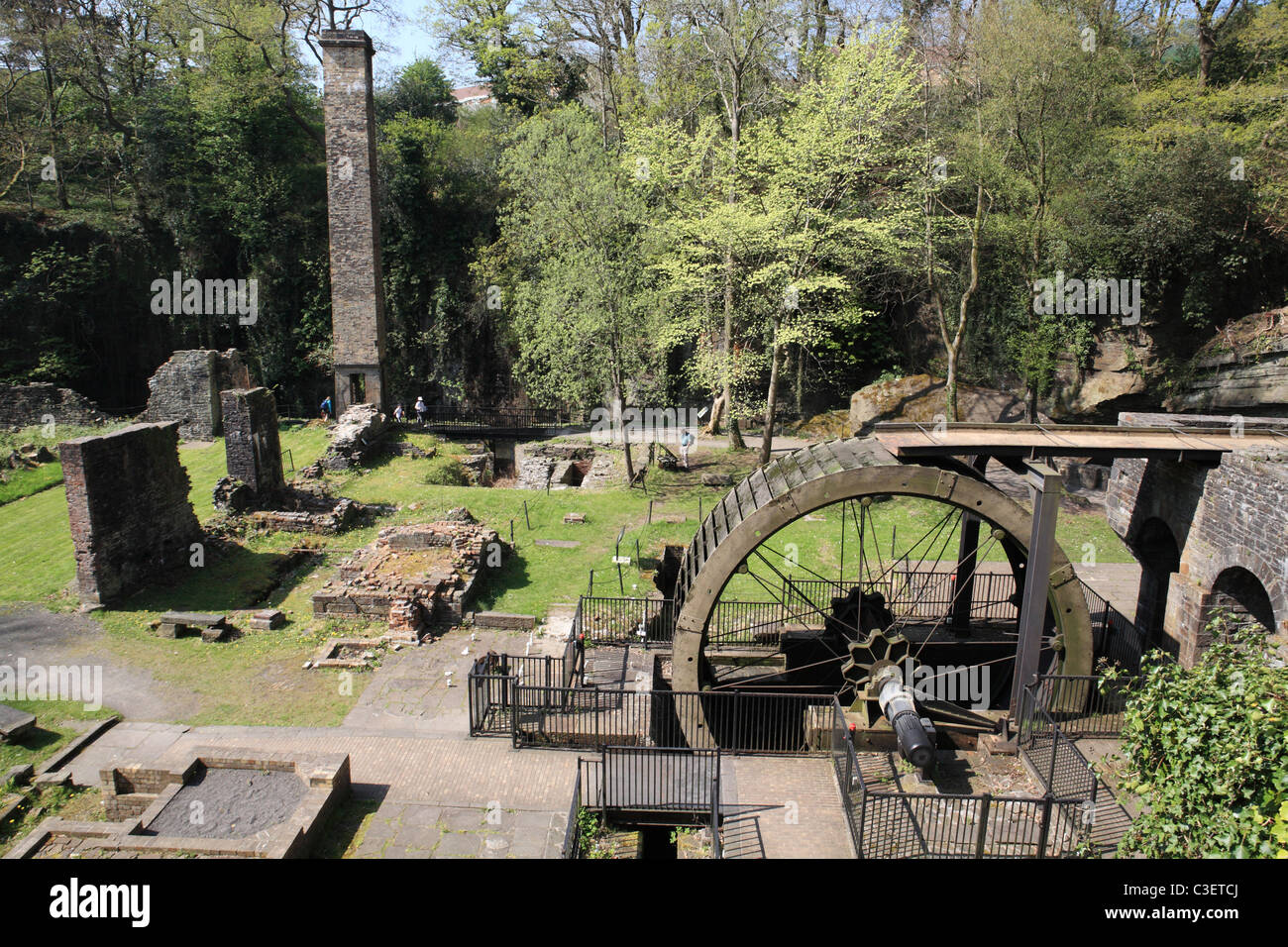 Waterwheel at the remains of Aberdulais tinplate works, Neath, South Wales, UK - Stock Image