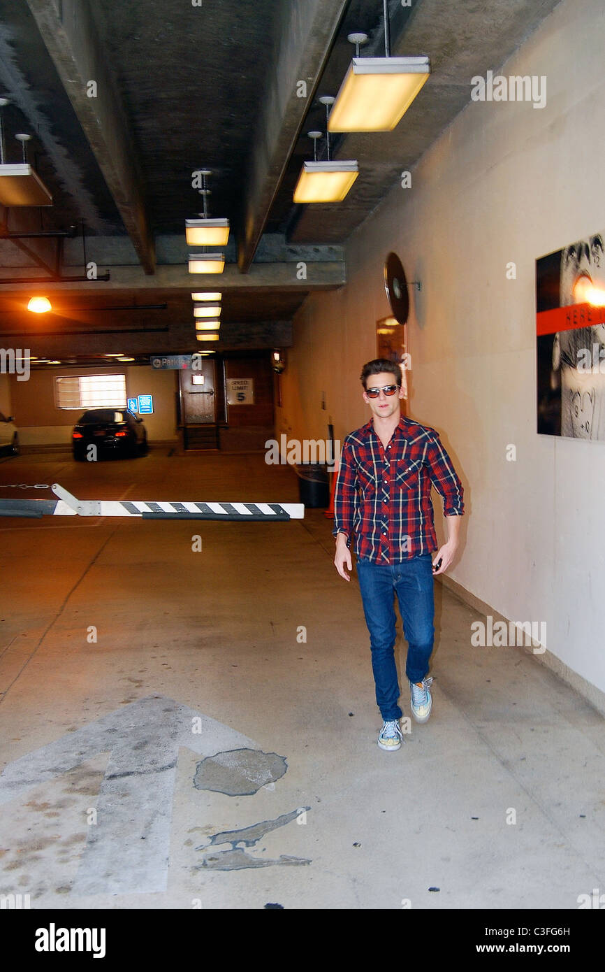 The Secret Life Of The American Teenager Star Daren Kagasoff Is Rad Stock Photo Alamy According to hampton, ricky (daren kagasoff) and son john (matthew and joseph levinson) followed amy to new york and the two got married after finishing up school. alamy