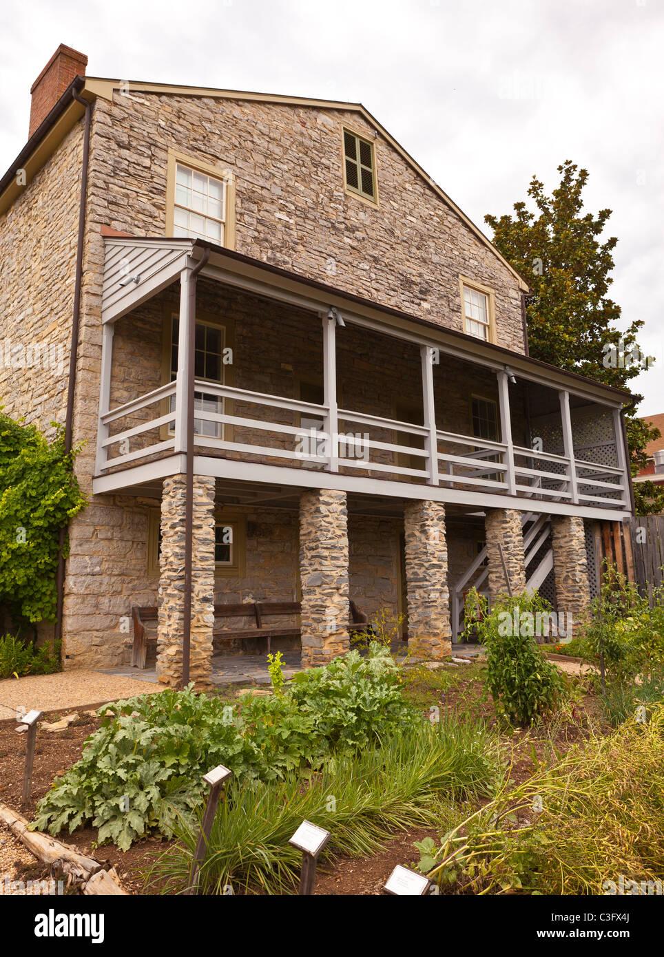 LEXINGTON, VIRGINIA, USA   Stonewall Jackson House And Garden.