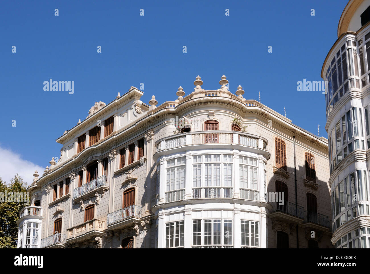 Gebäude in Palma, Mallorca, Architekt Gaspar Bennàssar i Moner. - Building in Palma, Majorca, architect - Stock Image