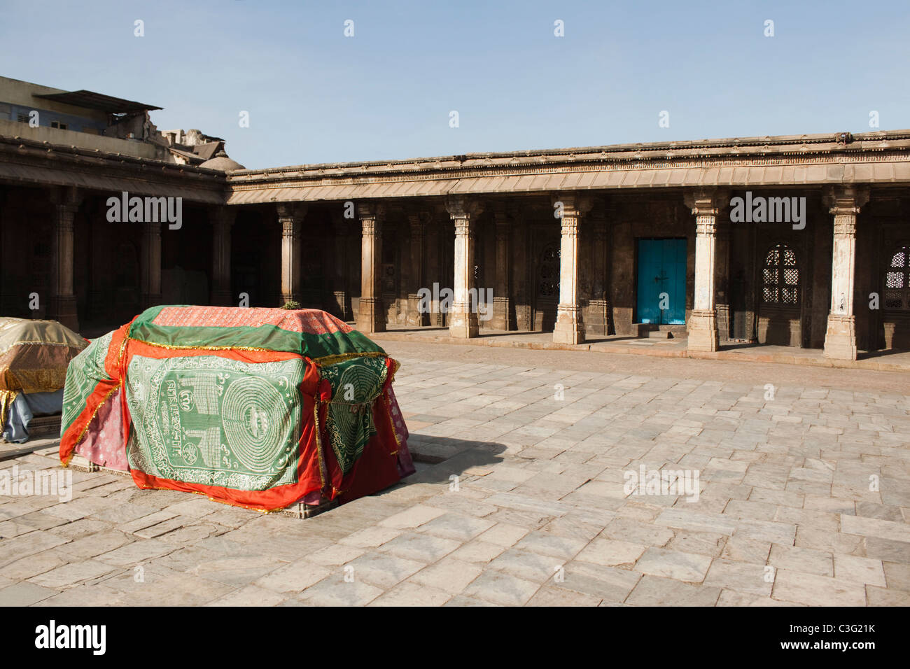Tombstones at a mosque, Ahmedabad, Gujarat, India - Stock Image