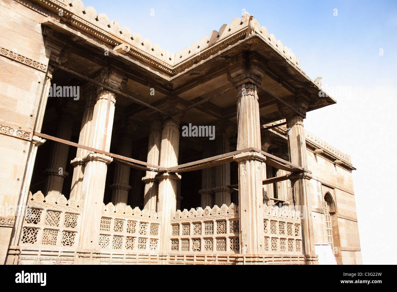 Low angle view of a building, Ahemdabad, Gujarat, India - Stock Image