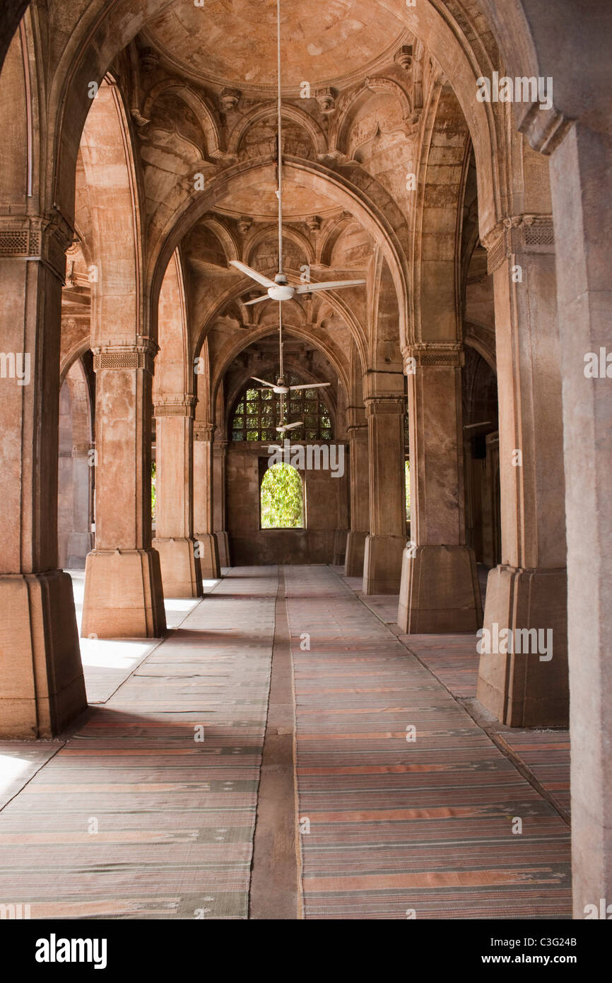 Corridor of a mosque, Siddi Sayed Mosque, Ahmedabad, Gujarat, India - Stock Image